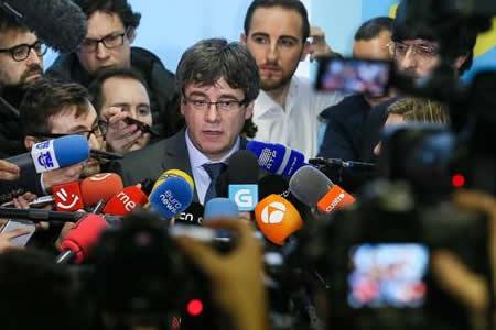 Gobierno español recurrirá la candidatura de Puigdemont a presidente catalán