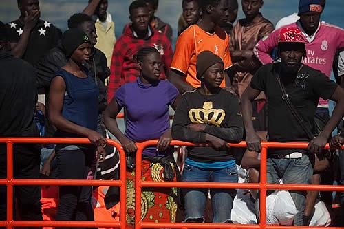 200 inmigrantes son rescatados en las costas de España