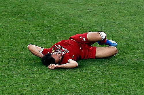 Salah podría perderse el Mundial de Rusia 2018 por una grave lesión del hombro