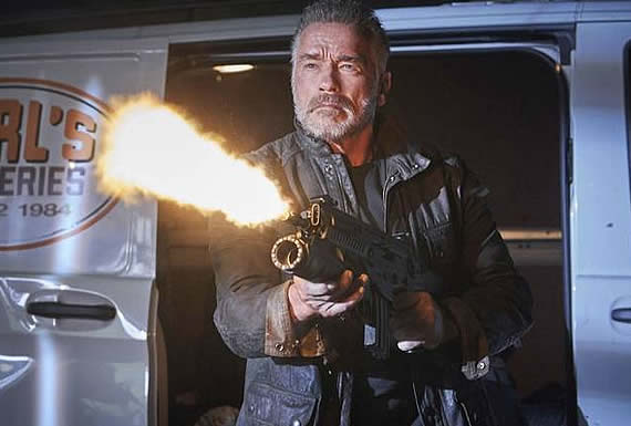 """Arnold Schwarzenegger comparte una fotografía con su """"héroe"""" Jackie Chan y cautiva a las redes"""