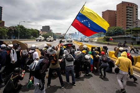 2017: El año en el Venezuela entró en una espiral de caos y violencia