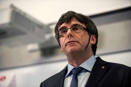 Puigdemont pedirá permiso judicial para debatir su investidura en Barcelona