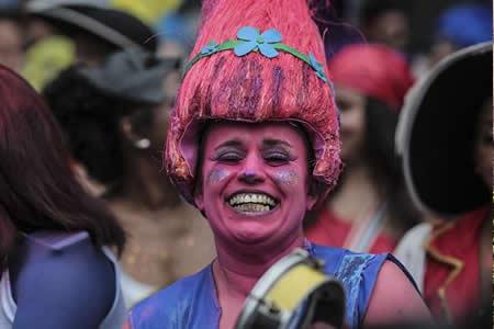El baile de gala del Carnaval que muestra la cara opulenta de Brasil