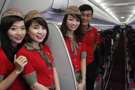 Línea aérea de Vietnam lanza candente calendario para recibir el 2018