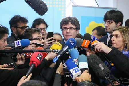 """Puigdemont reconoce que el proceso independentista catalán ha """"terminado"""""""