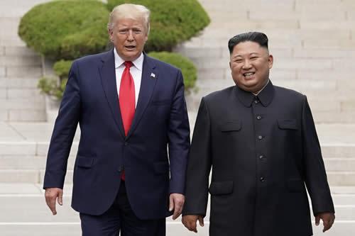 Reportan que Kim Jong-un invitó a Trump a Pionyang en una nueva carta