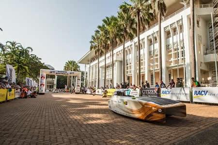 "Equipo holandés ""Nuon Solar"" vencedor de la World Solar Challenge australiana"