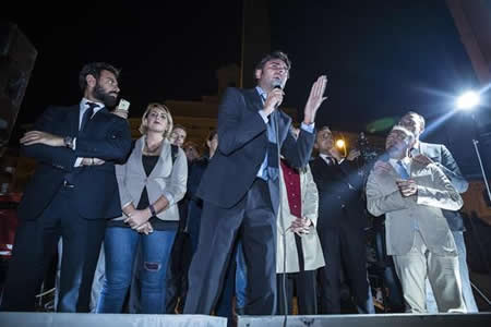 Italia da el primer paso para su nueva ley electoral con el rechazo del M5S