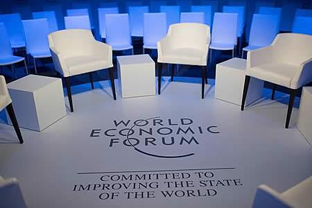 Las copresidentas del Foro de Davos abogan por empoderar a las mujeres