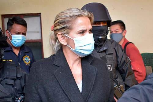 Dictan otra detención preventiva contra Añez por seis meses en un segundo proceso del caso 'golpe'