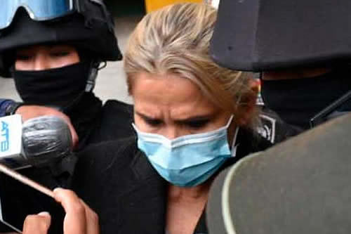 A seis meses de la detención de Añez, desde su entorno dicen que no hay pruebas y piden cerrar el proceso