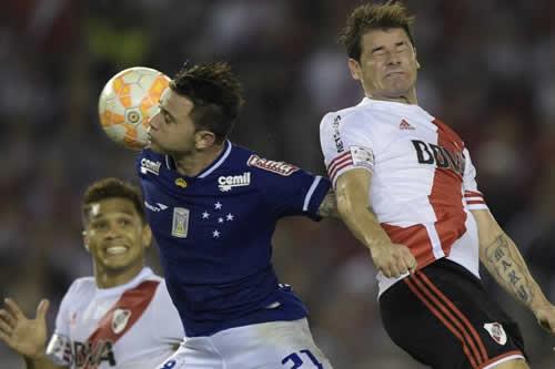 River Plate y Cruzeiro comenzarán en Buenos Aires los duelos de octavos