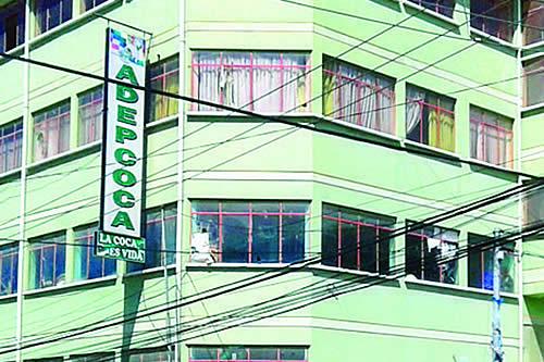 Adepcoca de Armin Lluta anuncia para el lunes bloqueo de las 'mil esquinas' en el centro de La Paz
