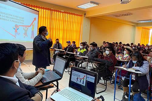 Gobierno asegura que se fortalecerán estrategias para garantizar el derecho a la educación en Bolivia