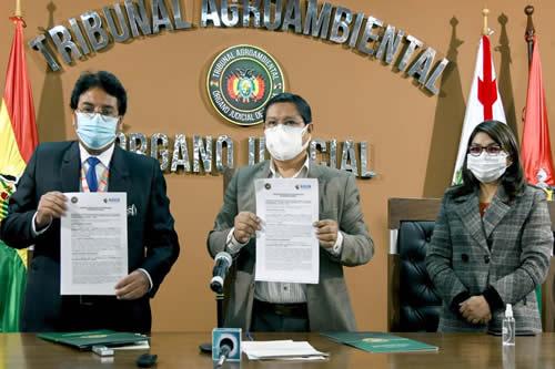 Adsib y Tribunal Agroambiental firman convenio para implementar el uso de la firma digital