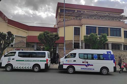 """Fallecen dos ancianos de los 77 contagiados con COVID-19 en el hogar """"La Sagrada Familia"""" en Oruro"""