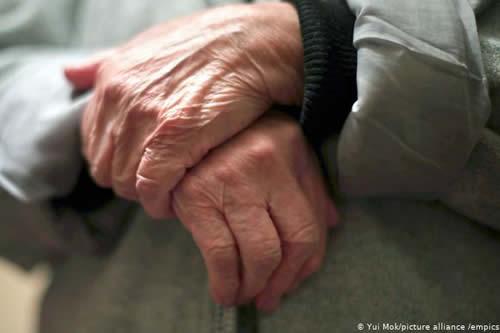 """""""Estoy completamente solo"""": abuelitos aislados por la pandemia"""