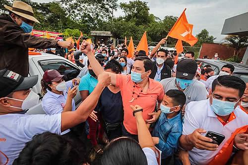 Ecuador: Andrés Arauz lidera la intención de voto en la segunda vuelta