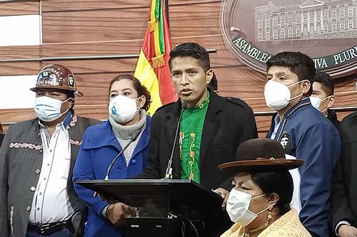 Presidente del Senado saluda la victoria histórica del profesor Pedro Castillo en Perú