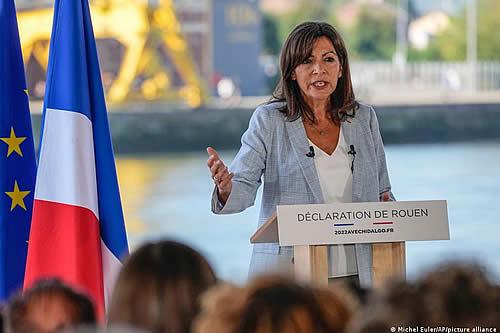 Alcaldesa de París postulará a la presidencia de Francia