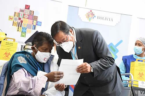 Presidente destaca entrega de pruebas, vacunas, contratos y medicinas a gobernaciones y municipios