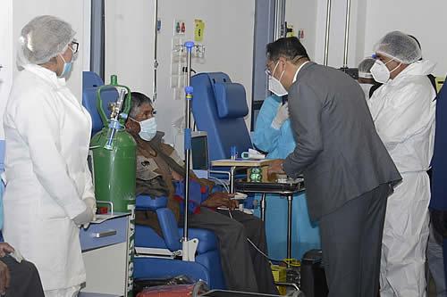 Presidente realiza inspección a puntos piloto de vacunación masiva en la ciudad de El Alto