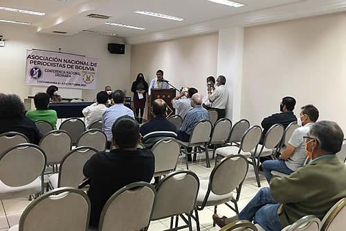 Periodistas de Bolivia rechazan dos leyes del gobierno y piden su retiro