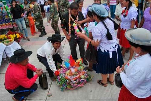 Fiesta de compadres y comadres a un paso de ser declarada patrimonio cultural inmaterial de Bolivia