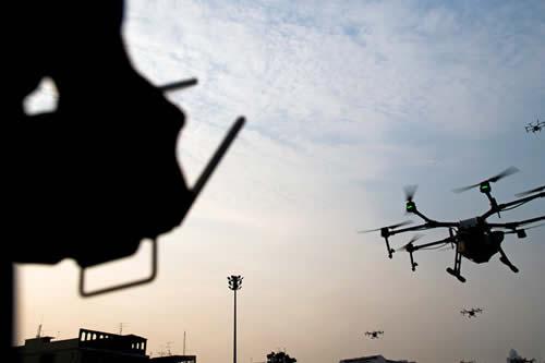 EE.UU. forma un equipo de piratas informáticos para defenderse contra el ataque de enjambres de drones