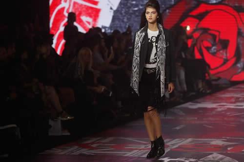 """Arranca la Buenos Aires Fashion Week con su desfile más """"rockero"""""""