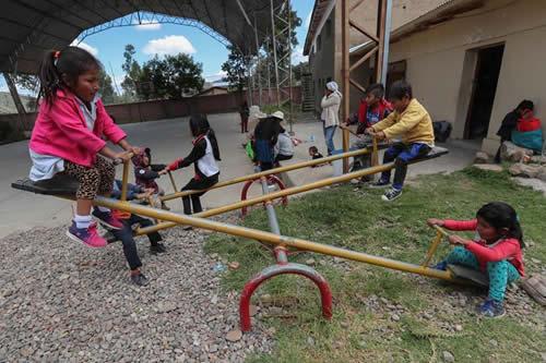 Bolivia agasaja a sus niños con festejos y reivindicaciones de sus derechos
