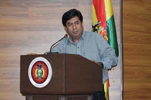 Oposición exige que renuncie el magistrado denunciado por golpeador