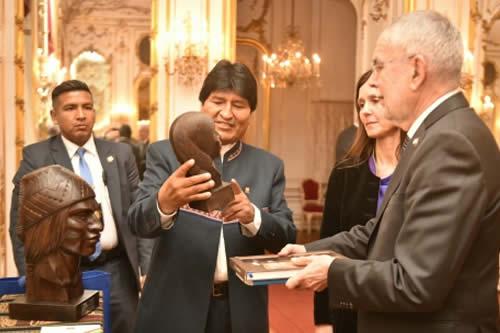 Presidente de Austria felicita a Morales por el crecimiento y los avances en reducción de la pobreza en Bolivia