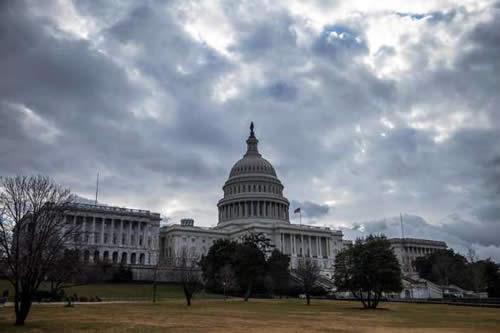 El Congreso de EE.UU. rechaza la emergencia de Trump para financiar el muro