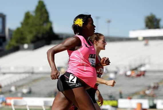 """""""Para las deportistas, el embarazo es el beso de la muerte"""": Critican a Nike por penalizar a atletas embarazadas"""