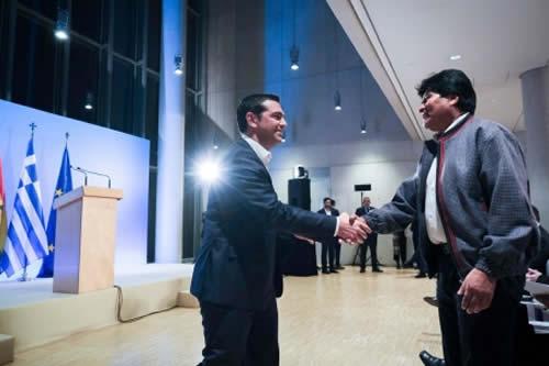 Morales comparte logros sociales, políticos y económicos de Bolivia en conferencia dictada en Grecia