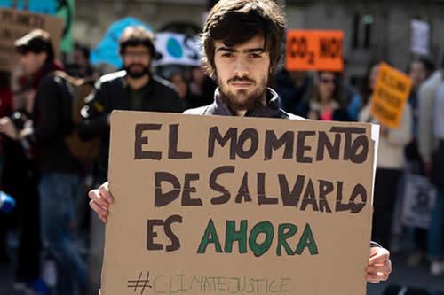 'No hay planeta B': Estudiantes de 100 países celebran una huelga internacional contra el cambio climático