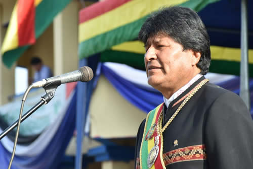 Morales se solidariza con Colombia que defiende su soberanía frente a la arremetida de EEUU
