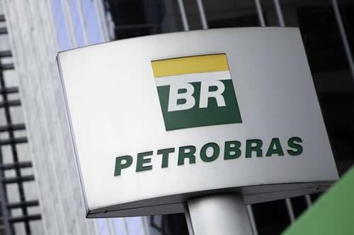 Petrobras pierde 8.300 millones tras injerencia de Bolsonaro