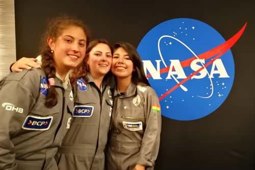 Morales felicita a bolivianas que ganaron cuatro premios en una competencia de la NASA