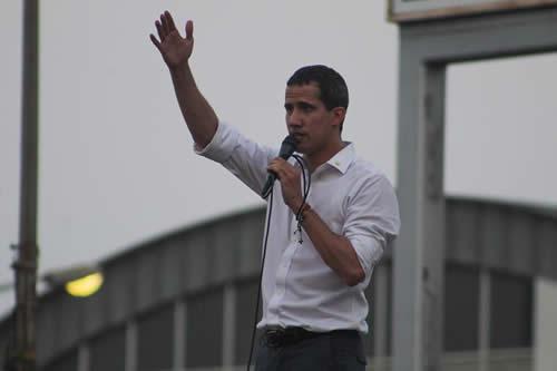 Enviados de Guaidó pronto comenzarán a prestar servicios consulares en EE.UU.