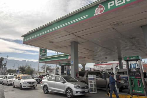 El Gobierno de López Obrador exhibe a las gasolineras que venden a precios más altos