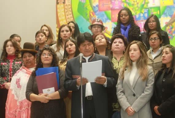 Morales presenta decálogo para eliminar la violencia contra las mujeres en el país