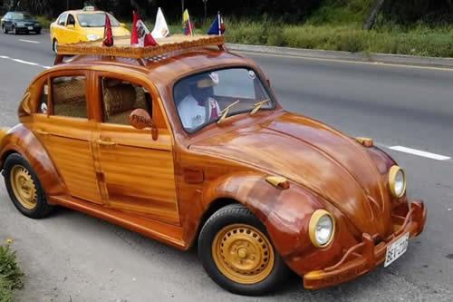 De Lima a Nueva York: Un padre conduce un auto de madera para cumplir una promesa a su hija