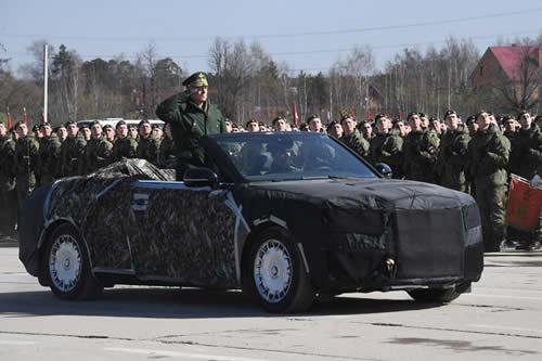Rusia ensaya con las lujosas limusinas Aurus el desfile militar del Día de la Victoria