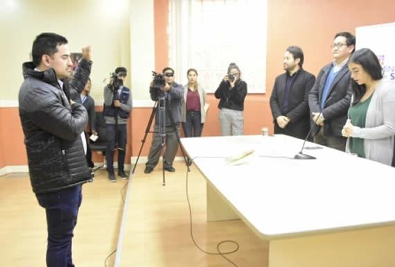 Montaño posesiona a Ernesto Monroy como Director del Centro de Abastecimiento y Suministros