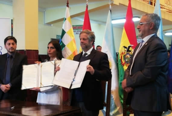 Bolivia y Argentina firman convenio en salud para ciudadanos que no son residentes