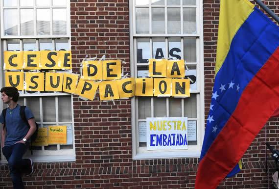 Enviado de Guaidó en EE.UU. toma la Embajada de Venezuela en Washington