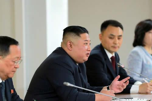 """Kim Jong-un: EE.UU. actuó de """"mala fe"""" en la cumbre de Hanói"""