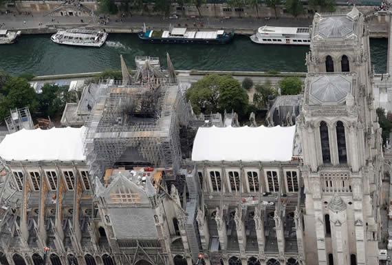 El otro 'infierno' que amenaza a Notre Dame: la cúpula de la catedral podría derrumbarse por la ola de calor